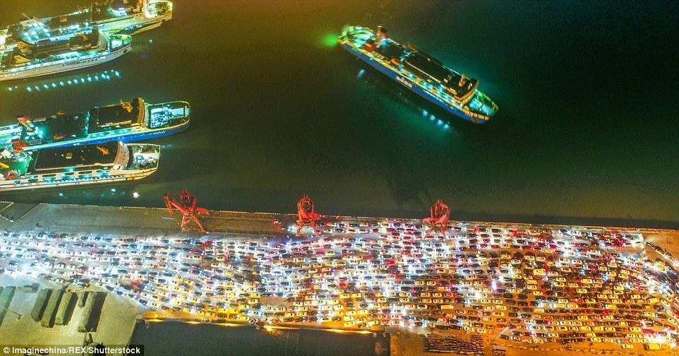 Hình ảnh tắc đường khủng khiếp ở TQ sau kỳ nghỉ Tết
