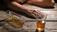 Cụ ông 91 tuổi ngất xỉu sau khi uống rượu
