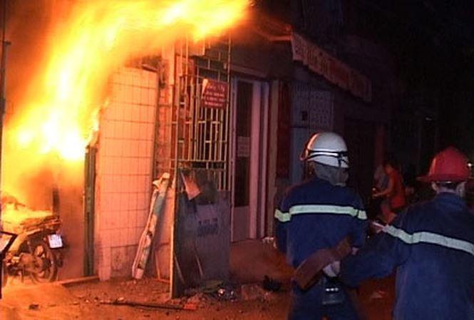 Phóng hỏa đốt nhà người yêu vì bị chia tay