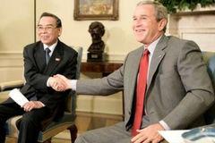 Tờ giấy cầm tay của nguyên Thủ tướng Phan Văn Khải ở cuộc gặp với G.Bush