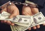 Sếp lớn ngân hàng rút ruột tiền trăm tỷ của khách rồi bỏ trốn
