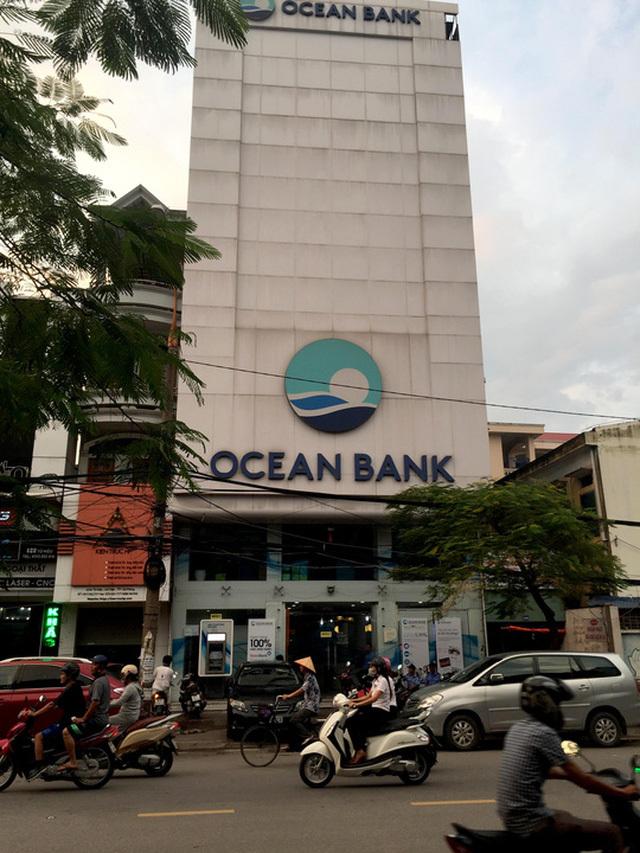 Gửi tiết kiệm trăm tỷ ở ngân hàng: Mất rồi đòi hơi bị khó
