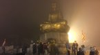 Người dân đi lễ chùa Yên Tử trong đêm