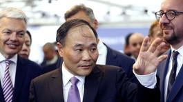 Tỷ phú Trung Quốc chi 9 tỷ USD mua cổ phần hãng xe Mercedes