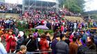 Hà Nội: Cảnh phóng sinh cá lớn nhất trong năm ở sông Hồng