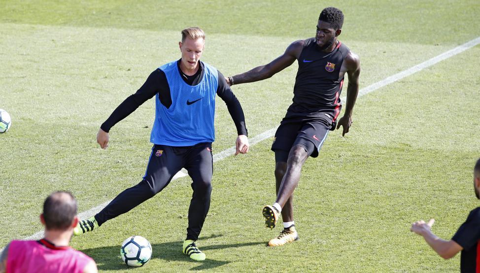 MU khiến Barca hoảng, Pogba phải rời Old Trafford