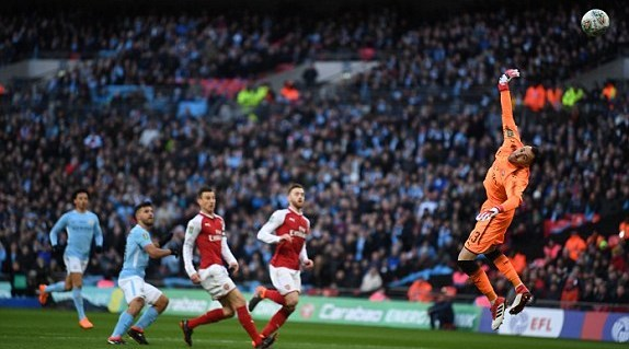Man City 1-0 Arsenal: Aguero mở tỷ số