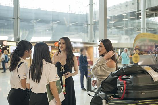 Hương Giang Idol thu hút chú ý tại Hoa hậu chuyển giới Quốc tế