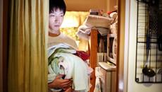 Cuộc sống của giới trẻ Nhật Bản trong phòng kín
