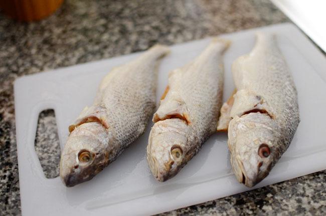 Giải ngán đầu năm với cá sốt củ cải