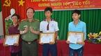 Khen thưởng 3 học sinh trả lại hơn 40 triệu cho người đánh rơi