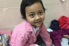 Ám ảnh đôi mắt ngây thơ của bé gái mắc bệnh ung thư hiểm nghèo