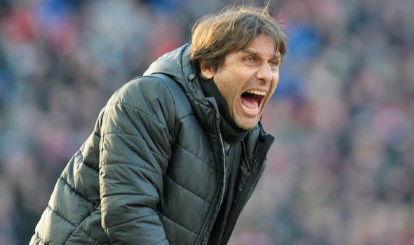 MU đáng sợ quá, Conte rối bời