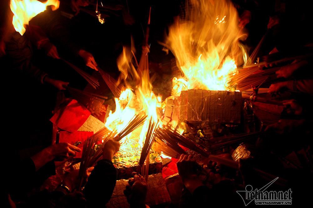 đốt vàng mã,hội làng,Hà Nội