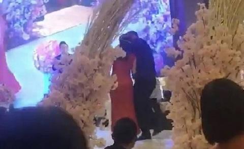 cưỡng hôn