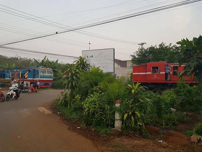 Tàu hỏa suýt đâm nhau gần ga Dầu Giây
