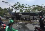 Xe khách bốc cháy sau tiếng nổ lớn ở Sài Gòn
