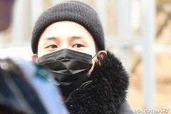 G-Dragon bịt kín mặt tới doanh trại nhập ngũ