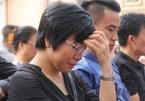 MC Thảo Vân đau buồn về quê chịu tang cha