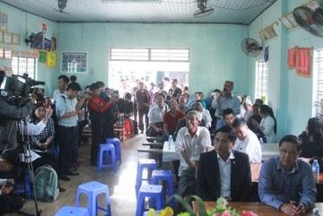 Dân dồn dập hỏi, lãnh đạo Đà Nẵng khất đối thoại buổi khác