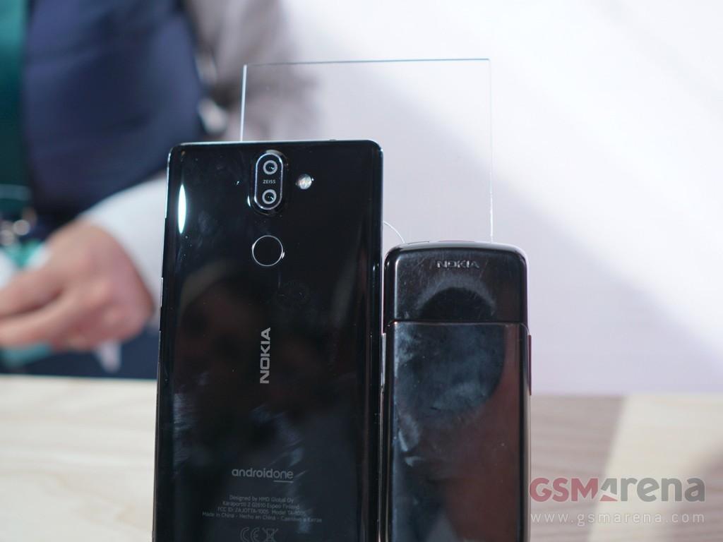 Huyền thoại Nokia 8800 đọ sức Nokia 8 Sirocco