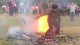 Những hình ảnh độc đáo ở lễ hội nhảy vào lửa của đồng bào dân tộc thiểu số