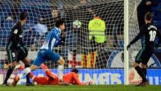 """Vắng Ronaldo, Real Madrid """"chết đứng"""" ở phút 93"""