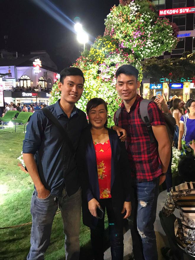 Video bà mẹ Nam Định vừa khóc vừa giục con lấy vợ 'gây bão'