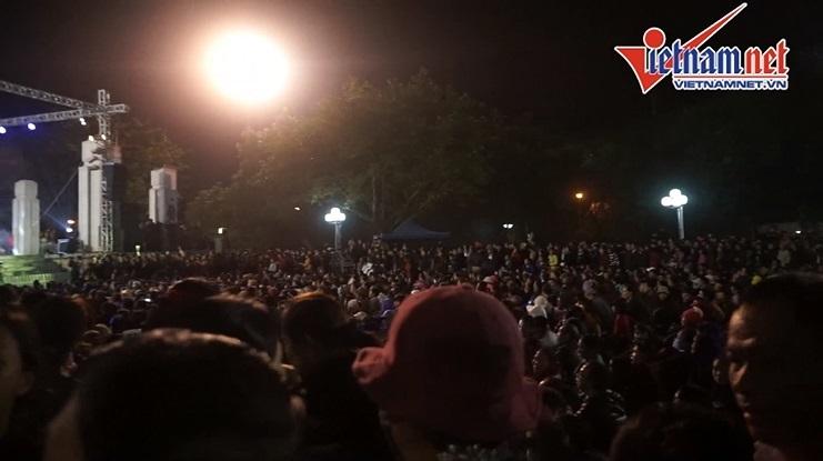 Ngàn người đi Hội Lim nghe hát quan họ xuyên đêm