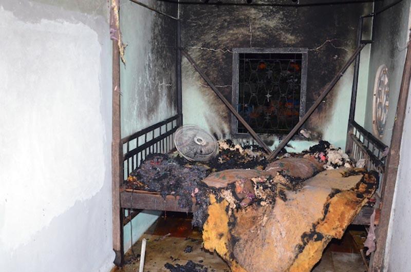 Phóng hoả đốt nhà cả gia đình vợ vì ghen tuông