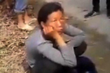 Dân vây bắt người phụ nữ lạ ở Thừa Thiên - Huế