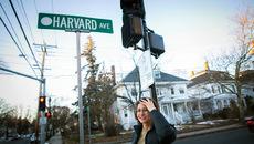 """Từ """"homeschool"""" tới sinh viên Harvard"""