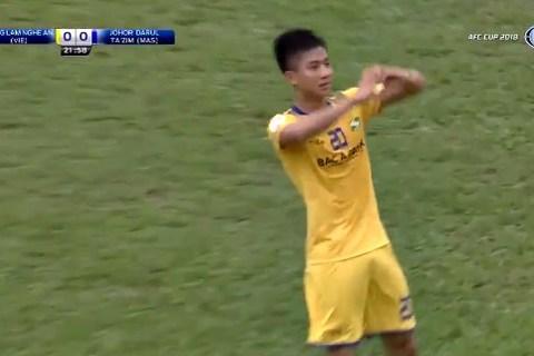 SLNA 1-0 Johor Darul: Phan Văn Đức ghi bàn