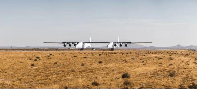 """""""Quái vật tàu bay"""" lớn nhất thế giới đi vào thử nghiệm"""