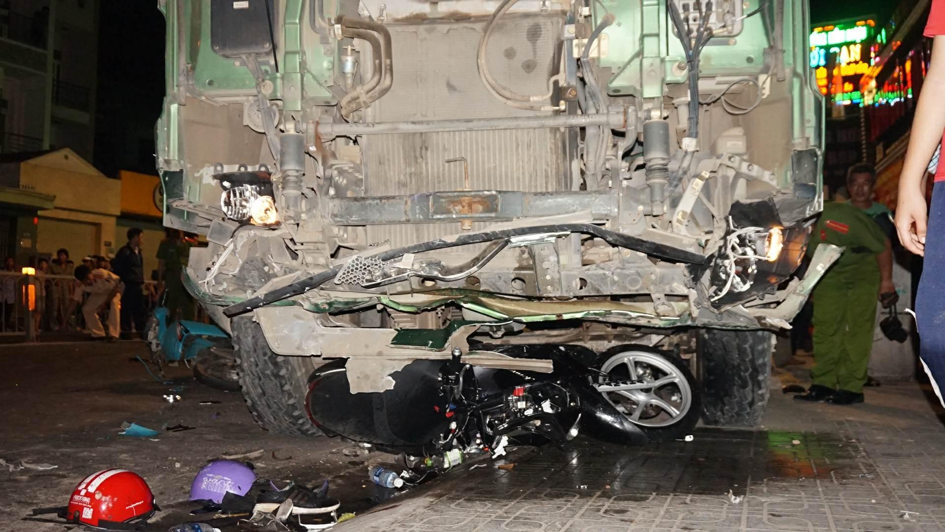 tai nạn,sài gòn,tai nạn giao thông,tai nạn chết người