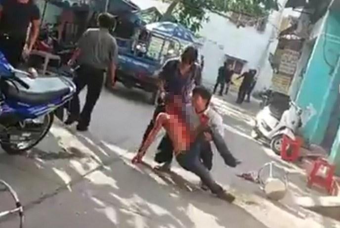 Hỗn chiến ở khu nhà trọ khiến 2 người trọng thương