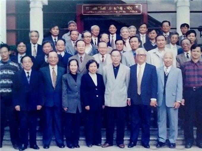 Thủ tướng Phan Văn Khải,Luật doanh nghiệp,thị trường chứng khoán,chứng khoán,Nguyễn Duy Hưng,kinh tế tư nhân
