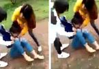 Điều tra nhóm phụ nữ lột áo, cắt tóc nữ sinh lớp 11