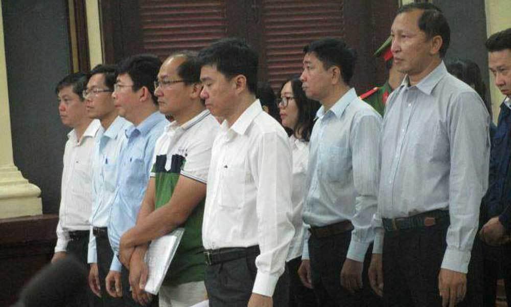Xét xử lãnh đạo Navibank: Luật sư gay gắt với cảnh sát và phóng viên