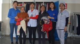 Tủ đồ nhân đạo: Niềm vui nhỏ của các bệnh nhân nghèo Quảng Bình