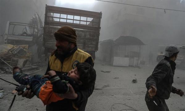 Những hình ảnh nhói lòng ở 'địa ngục trần gian' Syria
