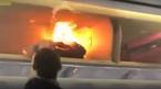 Pin dự phòng nổ trên máy bay, hành khách hoảng loạn