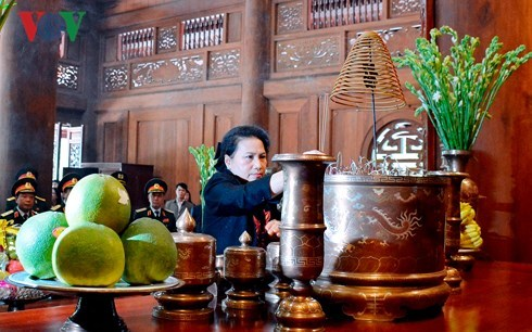 Chủ tịch QH dâng hương và trồng cây tại Khu di tích K9