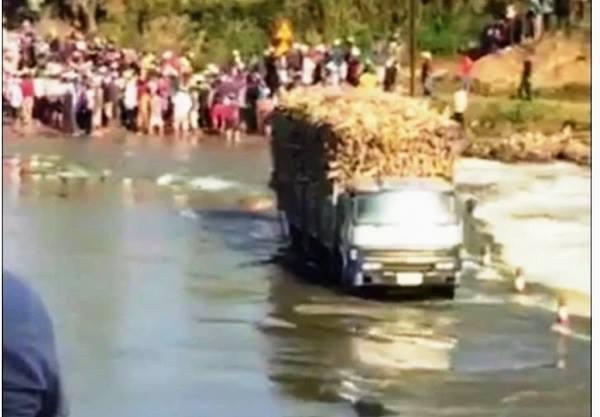 Thủy điện xả nước, thượng sĩ cảnh sát tử nạn khi cứu hộ