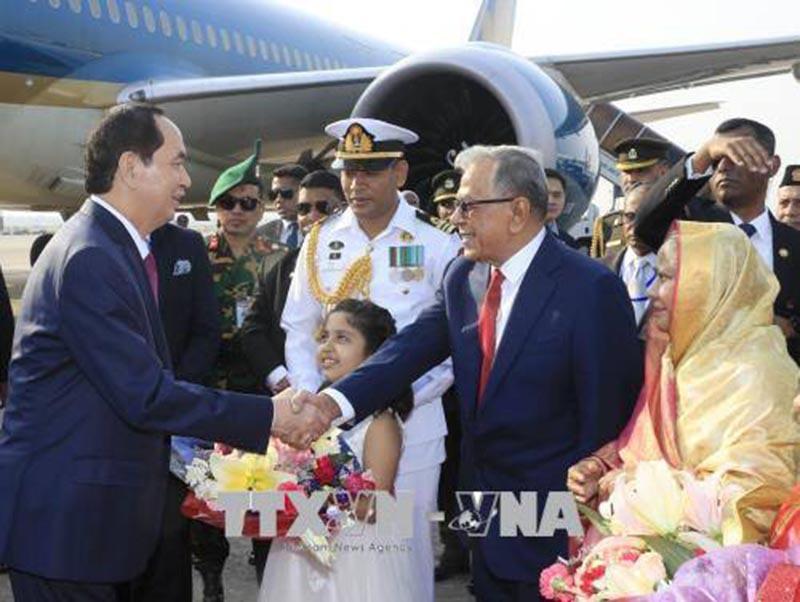 Chủ tịch nước bắt đầu thăm cấp Nhà nước tới Bangladesh