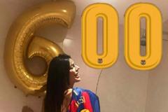 """Messi lập kỳ tích, hoa hậu vòng ba tuyên bố """"thưởng nóng"""""""