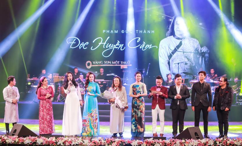 Trọng Tấn hát bolero ngọt lịm với Quang Lê