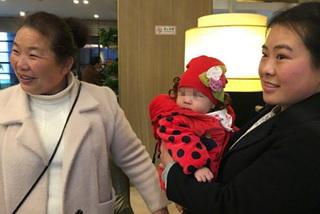 Đại biểu 9x mang con nhỏ đi họp Quốc hội