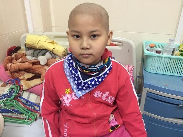 Bé gái ung thư cần sự giúp đỡ của cộng đồng