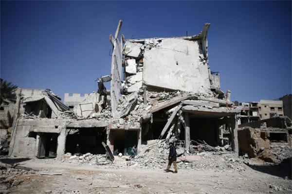 Xót xa cha tìm con giữa 'địa ngục trần gian' Syria